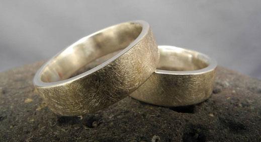 K13 Fair Trade Silber (925) mit gekritzelter Oberfläche