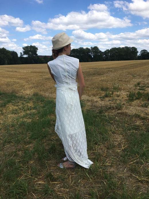 Pauline créatrice d'Arteline - Création de robes de mariée - Tous droits réservés©