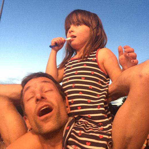 Daniel mit seiner Tochter beim Konzert