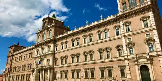 Palais ducal de Modéne -  visite guidée