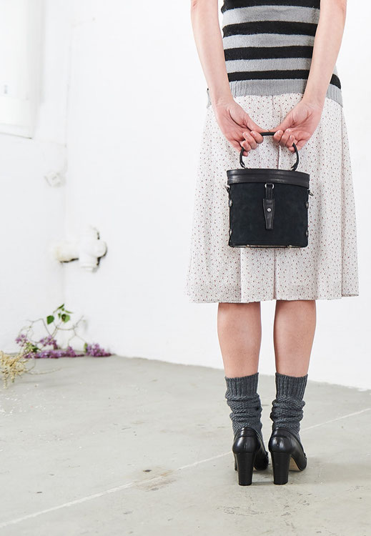 Lookbook 2017, Online-Shop, OWA Tracht, retrogeprägte Form Dirndltasche, Trachtentasche  Henkeltasche, Lederkreationen