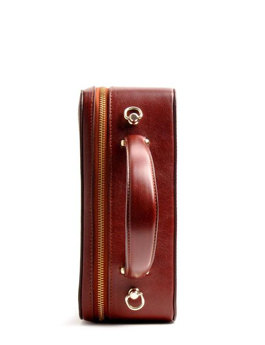 Tasche Vintage-Look Ledertasche Dirndltasche Trachtentasche versandkostenfrei kaufen. Farbe braun OWA TRACHT  Detailansicht Hochkant
