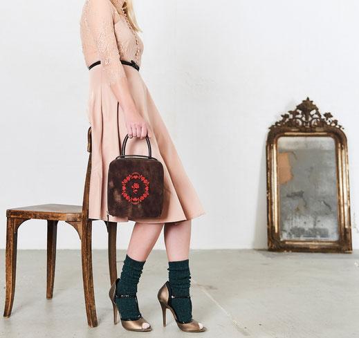 edle Ledertaschen im Vintage-Look, Online-Shop versandkostenfrei, Handarbeit, Manufaktur. Lookbook 2017. OWA Tracht Ledermanufaktur
