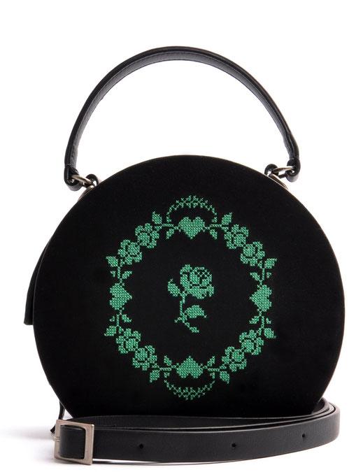 Tracht runde Ledertasche schwarz mit grünem Kreuzstich