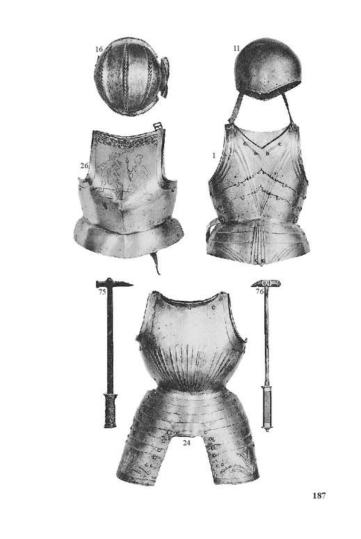 Zwei Streithämmer, Streithammer, Kegelhelm und Kegelhaube