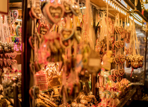 Finde die schönsten Weihnachstmärkte in Deutschland und in Europa 2019. Mit meinem Blogbeitrag entdeckst du romantische Weihnachtsmärkte an der Grenze zu Deutschland und viele kleine Tipps für deinen Weihnachtsmarktbesuch 2019. Ob Colmar, Straßburg, Heide