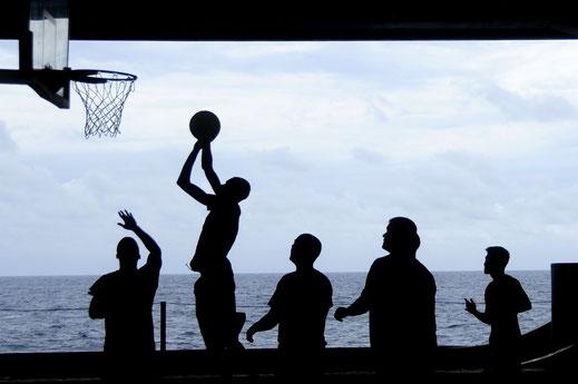 équipe basket panier