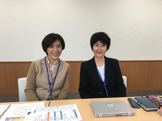 インタビューを終えて 広野郁子さん(右)と一言映子