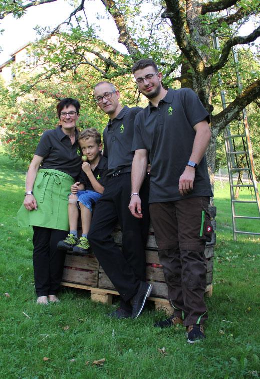 V.l.n.r.: Anita, Raphael, Hanspeter und Yanick Wohler