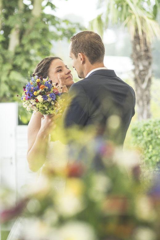 Hochzeitsfotograf Hamburg - Standesamtliche Trauung am Strand
