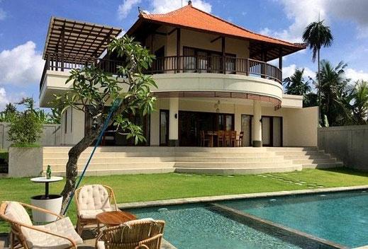 Di jual villa di Tabanan