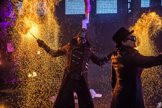 Feuershow buchen und Feuerkünstler erleben