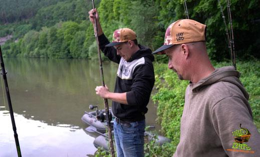 Welsangeln in Deutschland mit den Angelplätzen ist das früher schon so gewesen wie auch heute noch, durch Erfolge werden sie bekannter und immer mehr Angler versuchen an diesen Stellen ihr Glück. Mit der Zahl der Angler nehmen aber die Erfolge rapide ab.