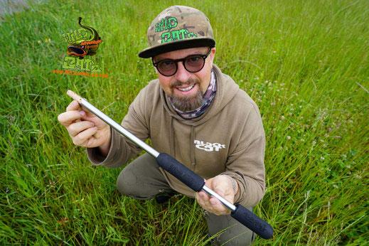 Unsere neuste Entwicklung ist es mit Cork Sticks den toten Köderfisch Auftrieb zu geben. Dafür benutzen wir einen speziellen Köderfisch-Ausstanzer den Puncher, dieser universell für alle Köderfischarten einsetzbar ist.