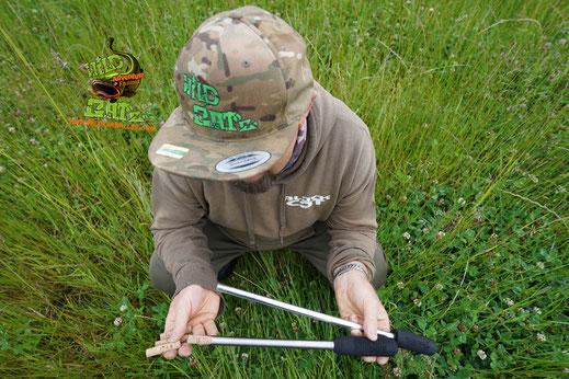 Das scharfkantige, seitlich angeschränkte Einschubrohr dringt messerscharf in den Rücken der Köderfische ein und entnimmt durch leichtes Drehen des Punchers ein Stück Rückenfilet.