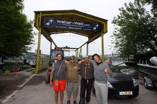 Wallerwelt in Italien mit Peter Merkel, Patrick Haas, Eule und Jan.