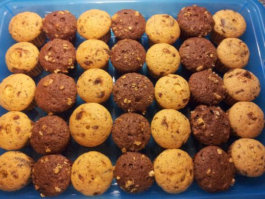 Helle und Dunkle Schoko mit Nuss Muffins