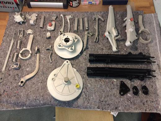 Sandstrahlen Pulverbeschichten Glasstrahlen Pulverbeschichtung Motorradteile