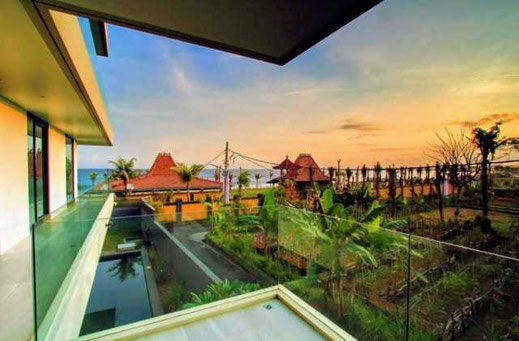 Gianyar, beachfront villa for sale by owner directly.