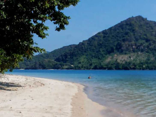 Land for sale in South Lombok near Belongas. Land for sale by owner