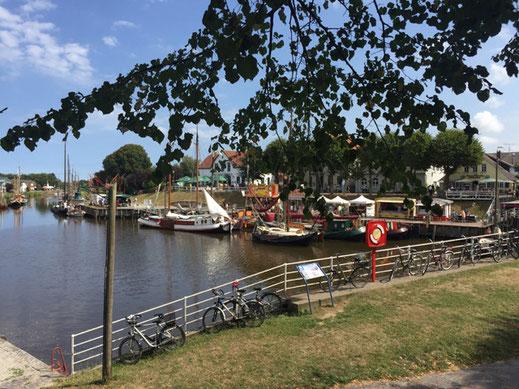 Museumshafen im Nordseebad Carolinensiel - nur einen Katzensprung vom Ferienhaus Nordseeufer entfernt