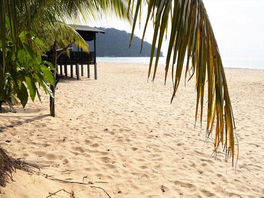 Noch fast menschenleer... Juara Beach, Pulau Tioman, Malaysia (Foto Jörg Schwarz)