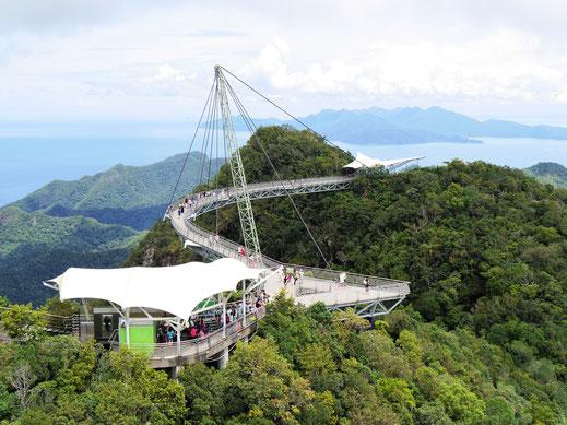 Was für Perspektiven für Menschen mit Höhenangst... Langkawi, Malaysia (Foto Jörg Schwarz)