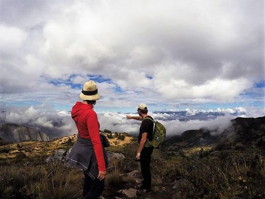 Ganz genau! Von da hinten kommen wir her... páramo de Ocetá, bei Mongui, Kolumbien (Foto Jörg Schwarz)