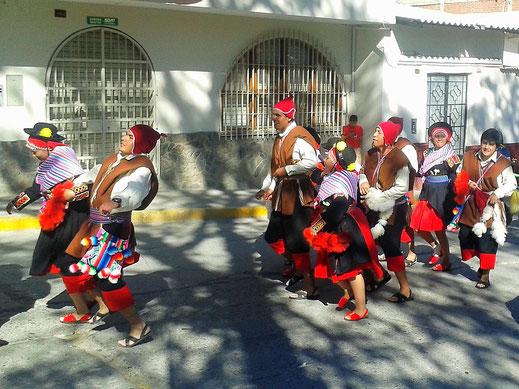Umzug zu Ehren der Hl. Maria, Caraz, Peru (Fotos Magdalena Bosak)