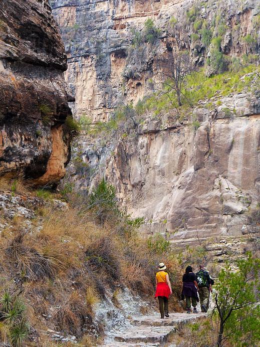 Ein moderater Abschnitt in der Wand, Toro Toro, Bolivien (Foto Jörg Schwarz)