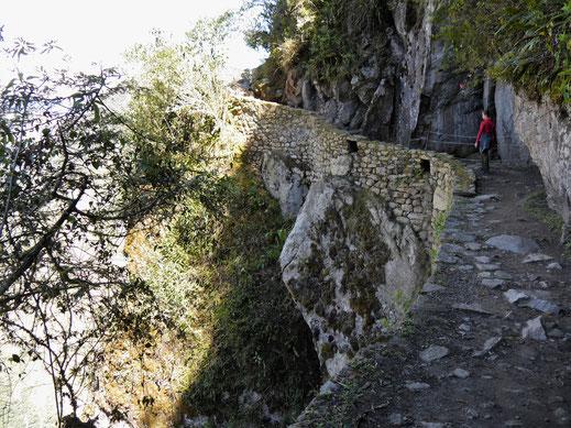 Diese Stelle ist für Höhenangst herausfordernd, Machu Picchu, Peru (Foto Jörg Schwarz)