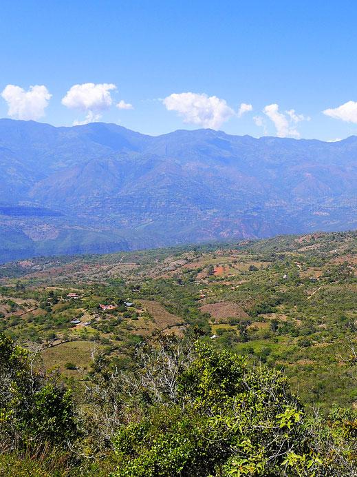 Wunderbare Blicke in die Umgebung, Barichara, Kolumbien (Foto Jörg Schwarz)