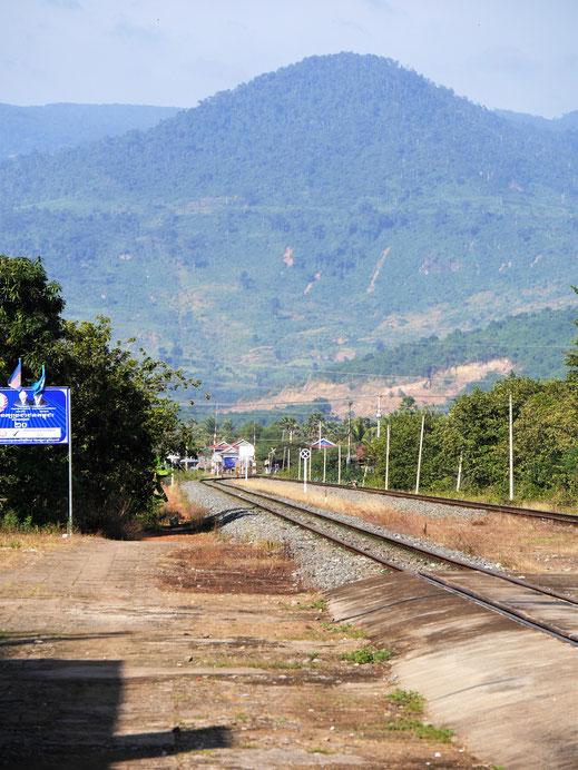 Blick in die umliegenden Berge bei Kampot, Kambodscha (Foto Jörg Schwarz)