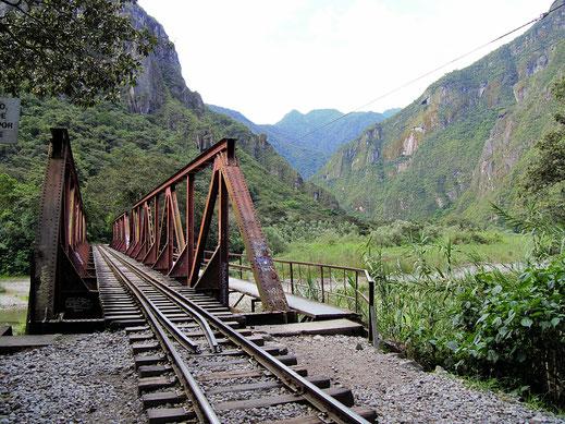Es gilt Brücken und Flüsse zu überwinden, Machu Picchu, Peru (Foto Jörg Schwarz)