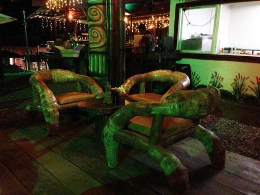 Fantastisch gemütliche, wuchtige und einzigartige Sessel aus den unglaublichen Wurzeln des Bambus, Filandia, Kolumbien (Foto Jörg Schwarz)