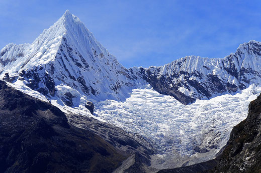 Besonders beeindruckend: Die Pirámide de Garcilaso (5.885 m), Caraz, Peru (Foto Jörg Schwarz)
