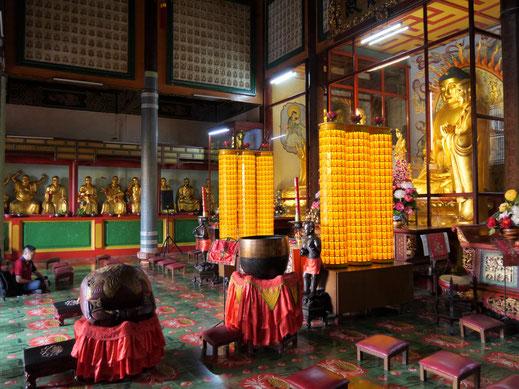 Buddha wird hier in allen Formen und Farben geehrt... Penang, Malaysia (Foto Jörg Schwarz)
