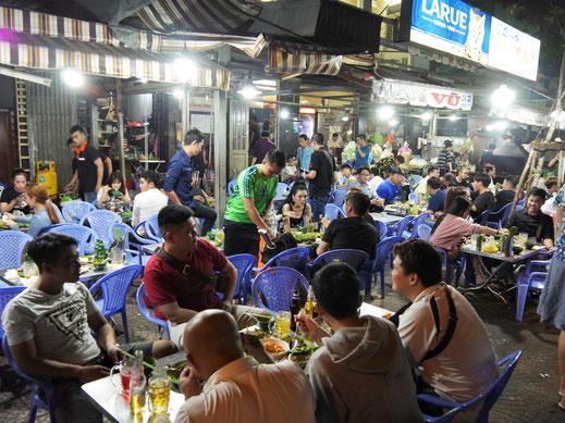 Als wir schon alle nicht mehr können: Der Höhepunkt, diverse Seafoodvarianten... Ho-Chi-Minh-Stadt (Foto Jörg Schwarz)