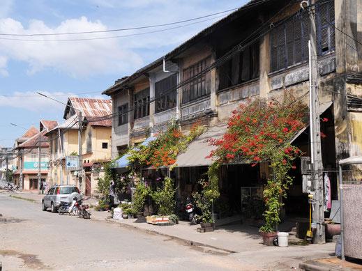 Beim Schlendern durch Kampot entdeckt man stets schöne Storehouse-Architektur, Kampot, Kambodscha  (Foto Jörg Schwarz)