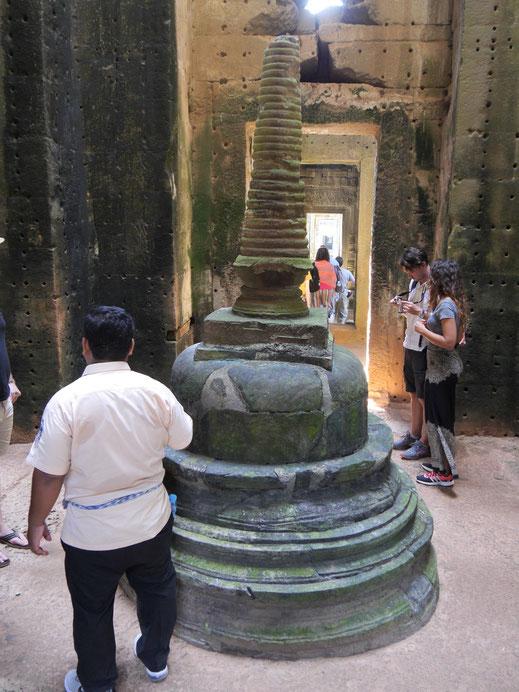 Im Innern findet sich zum Beispiel diese Stupa, Preah Khan, Kambodscha (Foto Jörg Schwarz)
