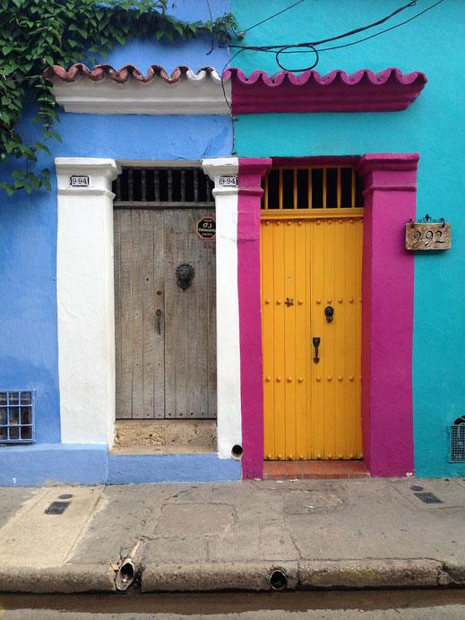 Bunt, bunt bunt sind alle meine Türen... Cartagena, Kolubien (Foto Jörg Schwarz)