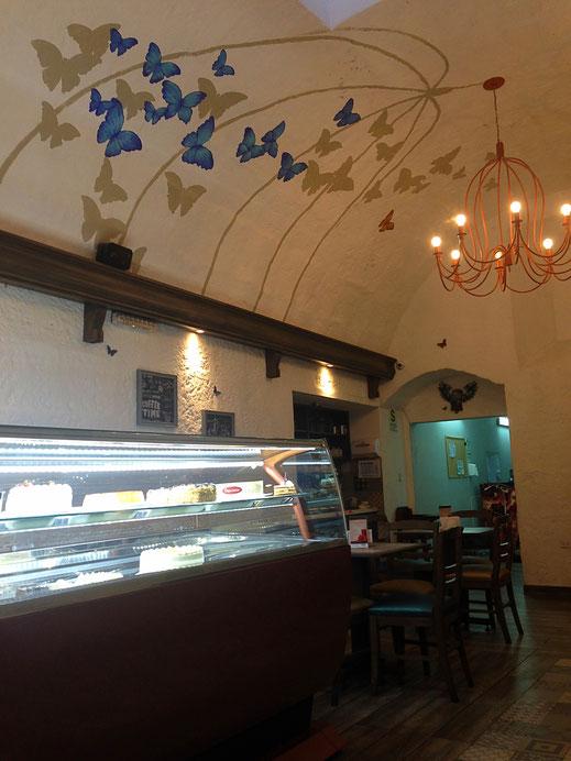 Endlich ein Café in dem alles stimmt... Arequipa, Peru (Foto Jörg Schwarz)