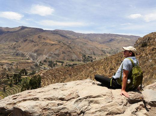 Pausen lassen die Aussicht noch besser genießen, Chivay, Peru (Foto Jörg Schwarz)