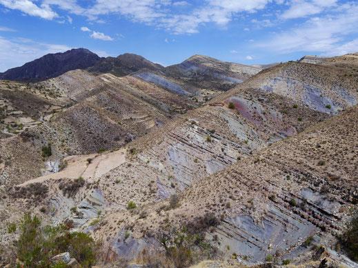 Die faszinierenden Farben in der Cordillera de los Frailes, Bolivien (Foto Jörg Schwarz)