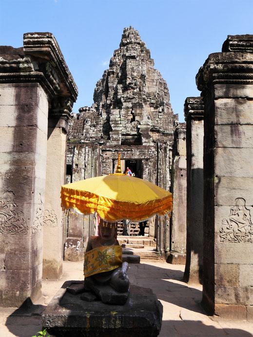 Auch heute nutzen Buddhisten den Tempel für ihre Rituale, Bayon, Kambodscha (Foto Jörg Schwarz)