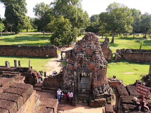 Auf dem Weg zurück zum Ausgang... Pre Rup, Kambodscha (Foto Jörg Schwarz)
