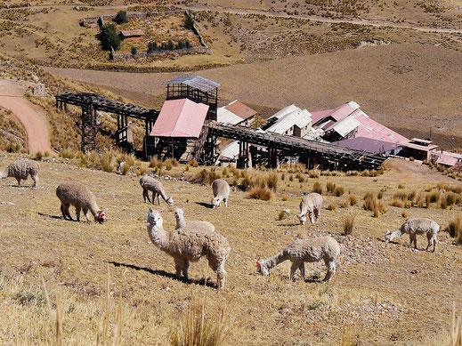 Die Überreste der Außenanlagen der Mine, Huancavelica, Peru (Foto Jörg Schwarz)