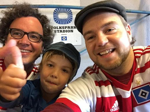 Erfolgreicher Saisonauftakt - Dank der besten Fans der Welt: Rautenträger in Hamburg: Jonte, Friedemann, Tim! Schreit auch weiter für mich mit! (Foto Tim Bendixen)