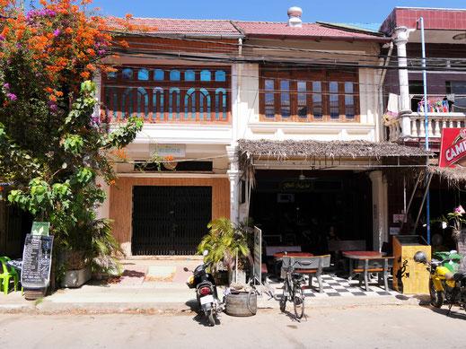 Ein gemütlicher Laden neben dem nächsten... Kampot, Kambodscha (Foto Jörg Schwarz)