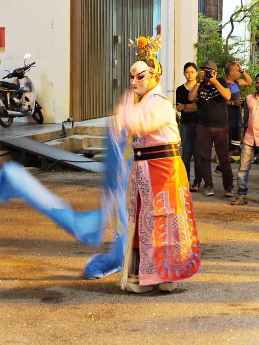 Immer wieder werden Vorführungen der klassischen Künste geboten, George Town, Penang, Malaysia (Foto Jörg Schwarz)
